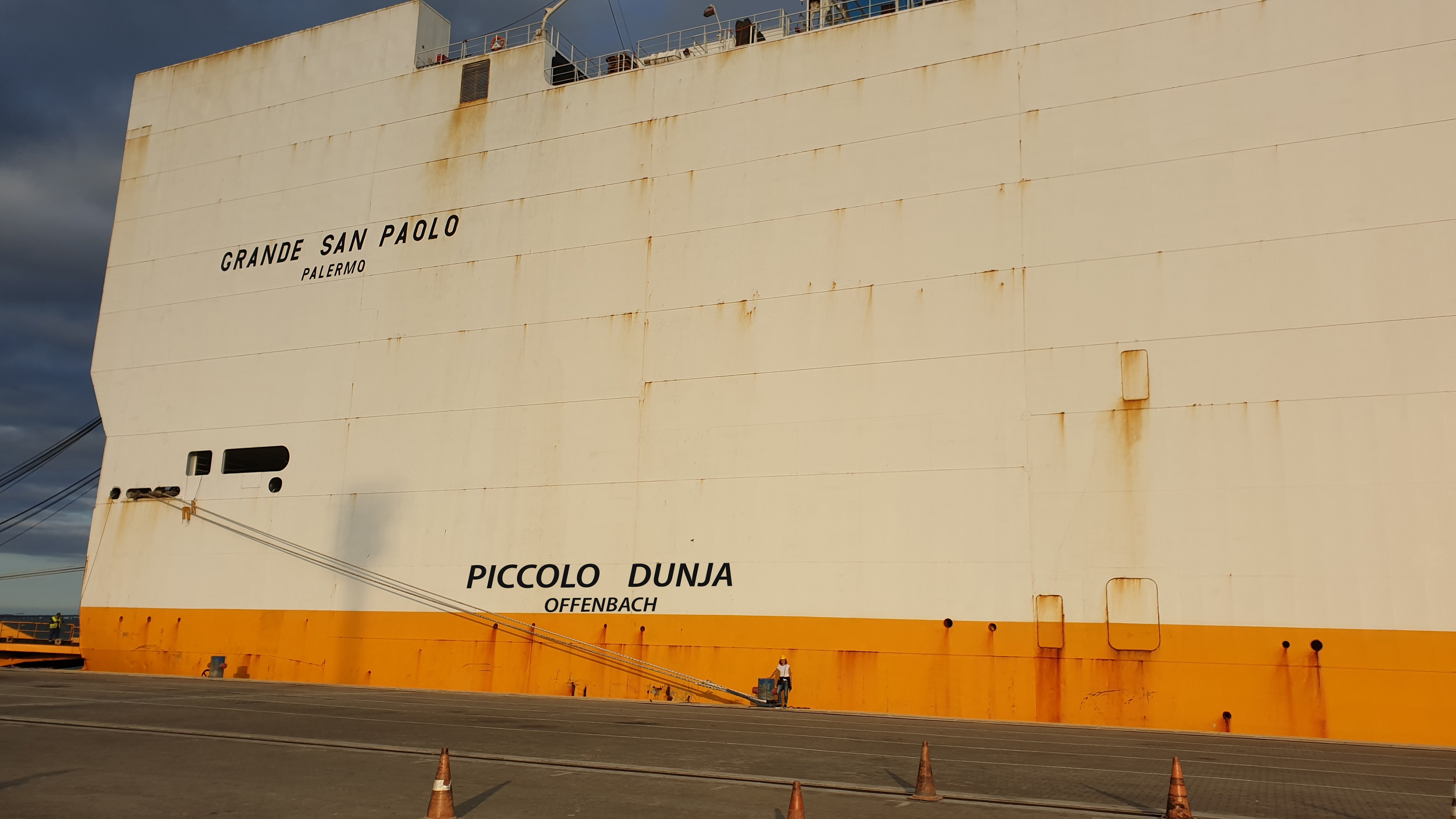 Executive Summary: Frachtschiffreisen